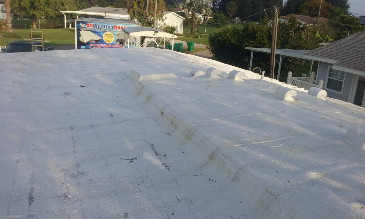 Photo of a roof during the mobile home roof over process